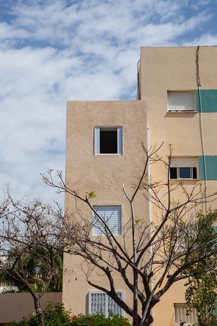 מעל ל%60מהדירות בישראל אין ממד.ובדירות החדשות הממד לא תקין ולא בטוח ולא יכול להחזיק מעמד מול 150 קילוגרם ויותר של חומר נפץ בפגיעה ישירה IMG_3093